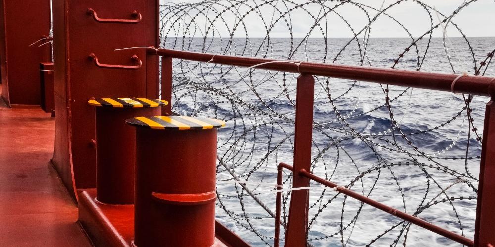 Ship Razor Wire 2